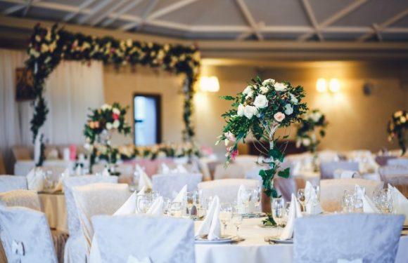 Sådan skaber du en nem bordplan til dit bryllup